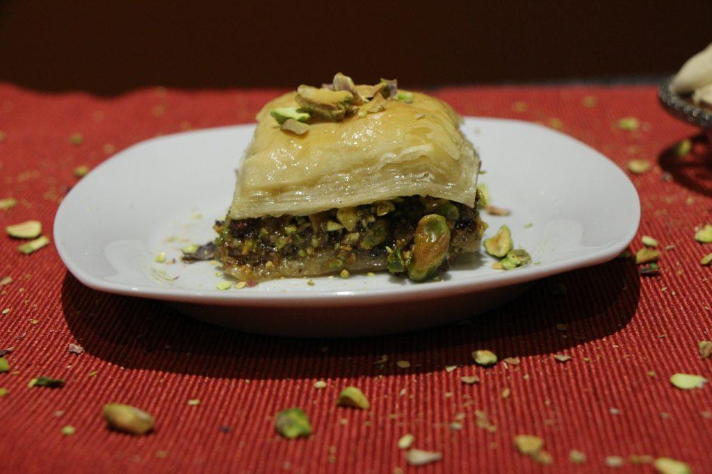 Crunchy walnut and pistachio baklava