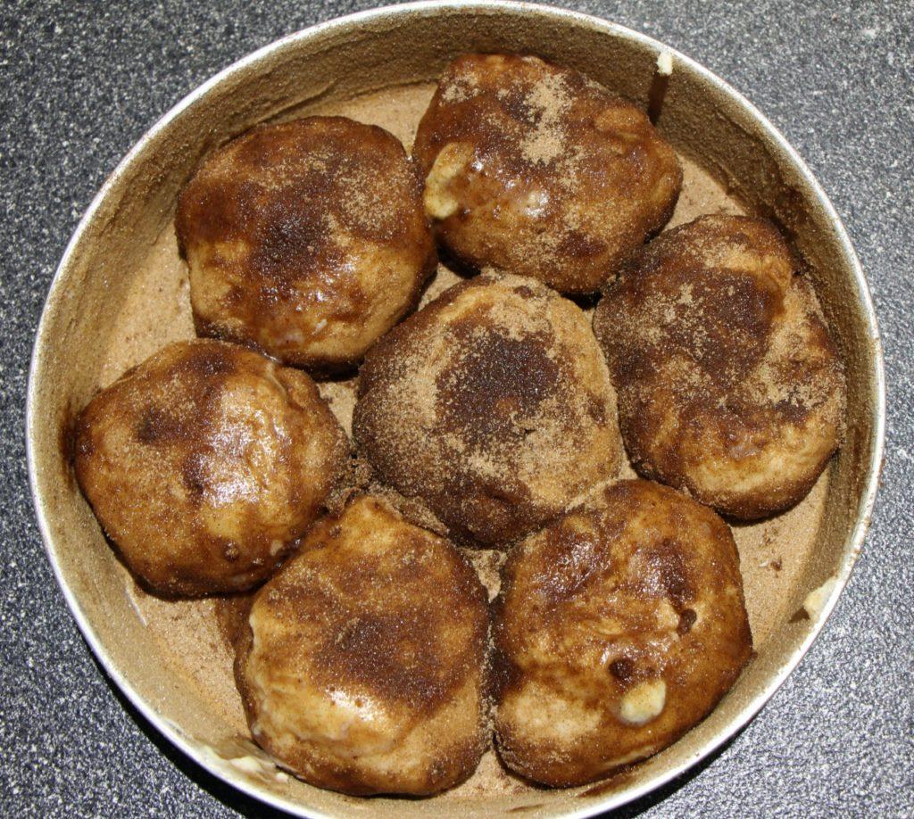 Uncooked pull-apart cinnamon bites