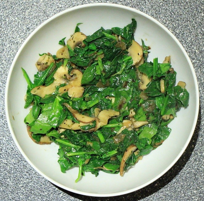 Cooked onion, spinach and mushrooms