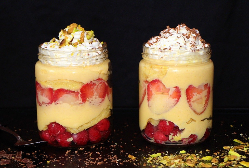 Individual custard trifle