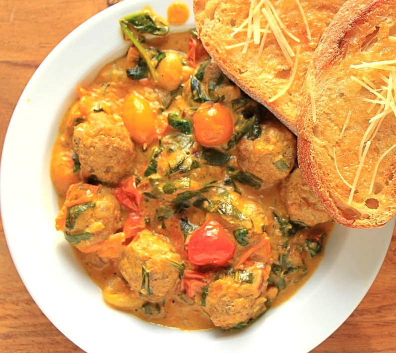 Curry meatballs with a side of Italian bread