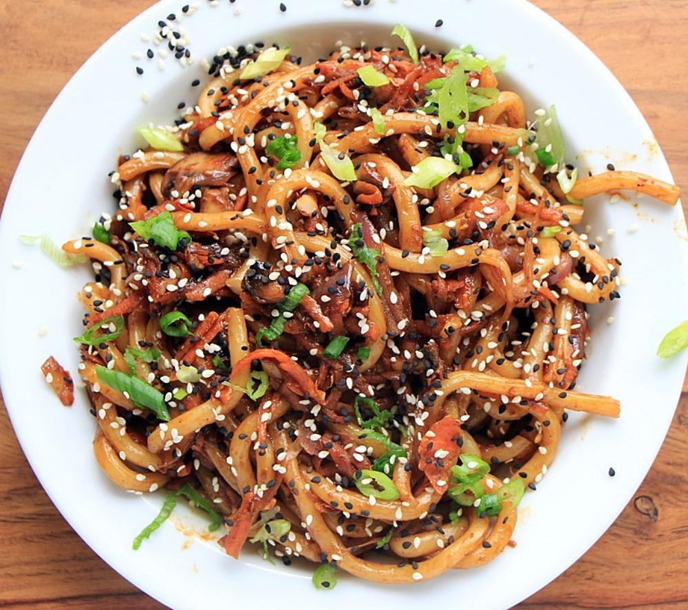 Udon noodles close up