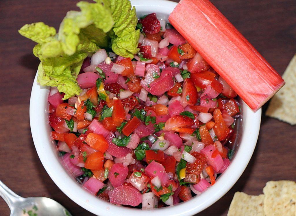 Salsa in bowl