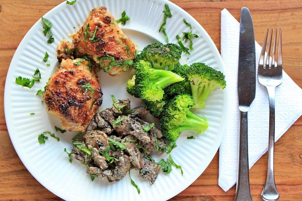 Honey mustard chicken with sautéed mushrooms and broccoli