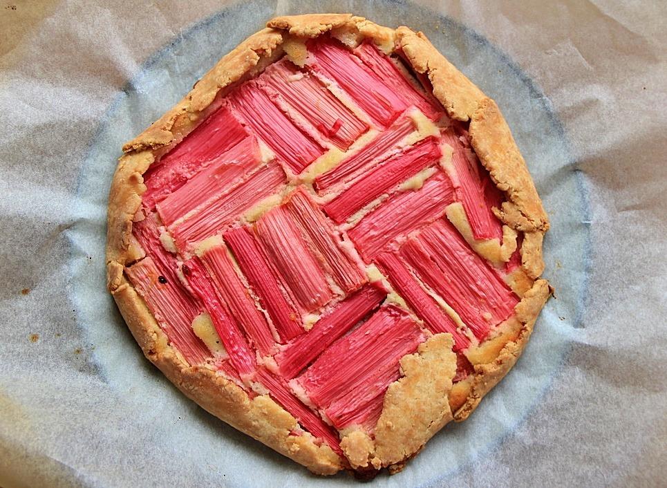 Baked rhubarb frangipane galette