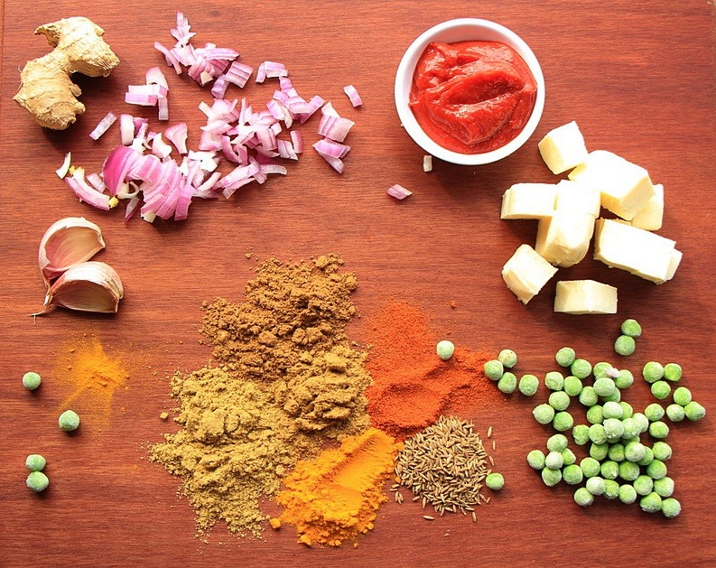 Ingredients for matar paneer